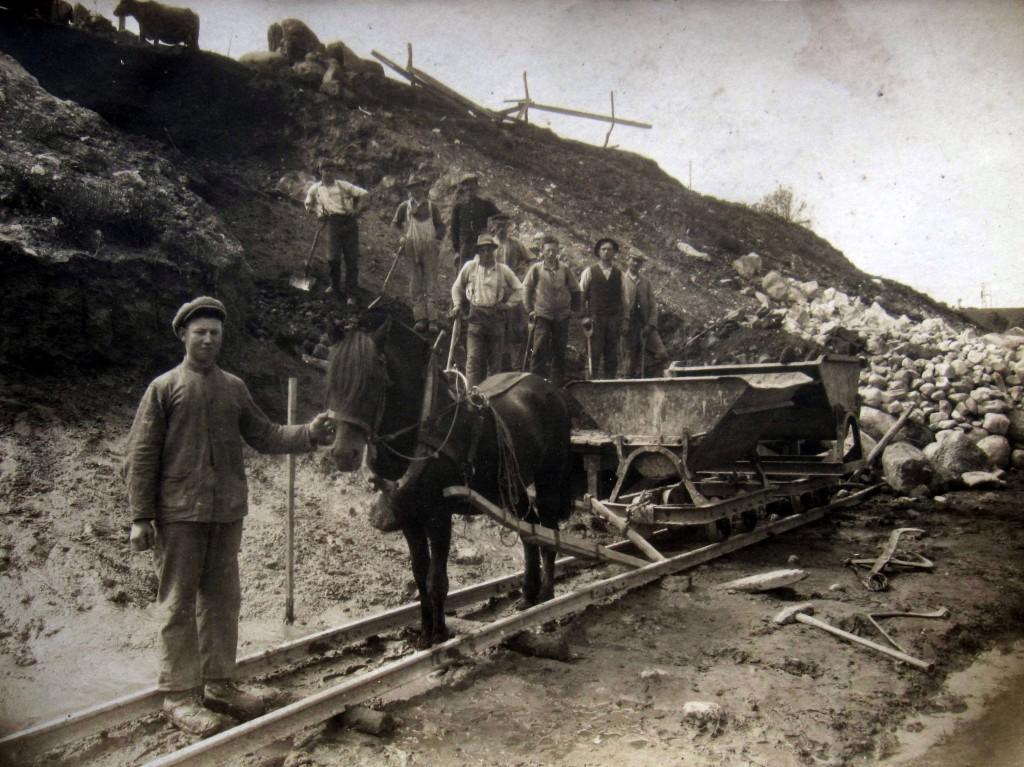 Banearbeidere ved Holane våren 1922