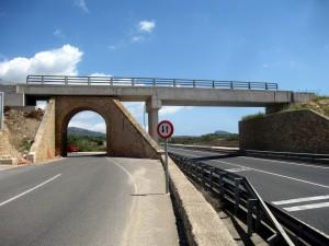 Ålgårdbanen trenger ny bro over Figgjo. På strekningen Manacor-Artà har man løst det slik.