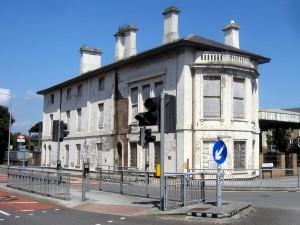 Cardiff bay stasjon åpnet i 1840.